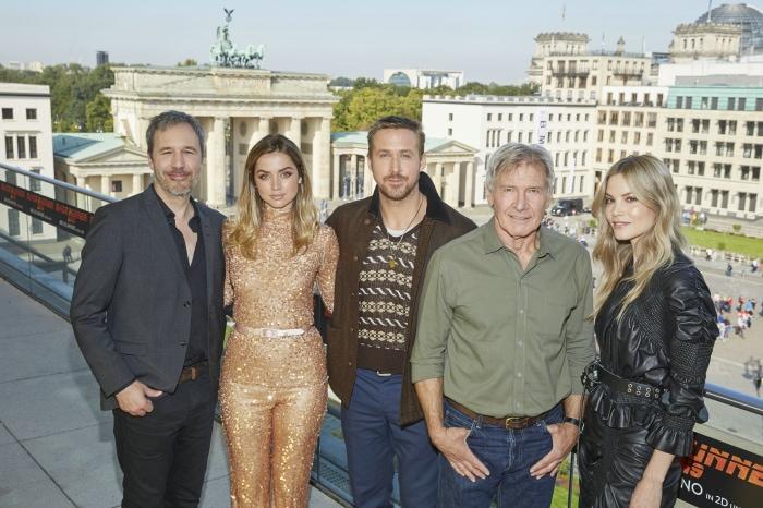Regisseur Denis Villeneuve, Ana de Armas, Ryan Gosling, Harrison Ford und Sylvia Hoeks