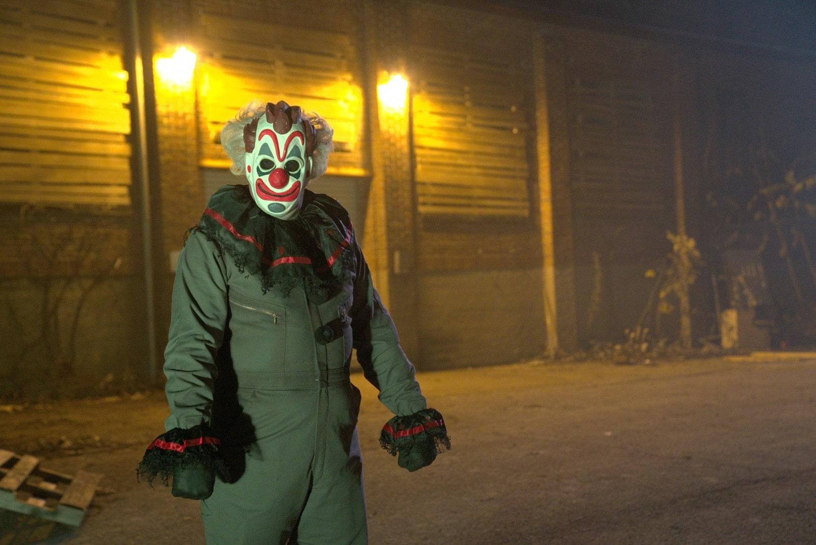 04_der Clown begrüsst die Gruppe